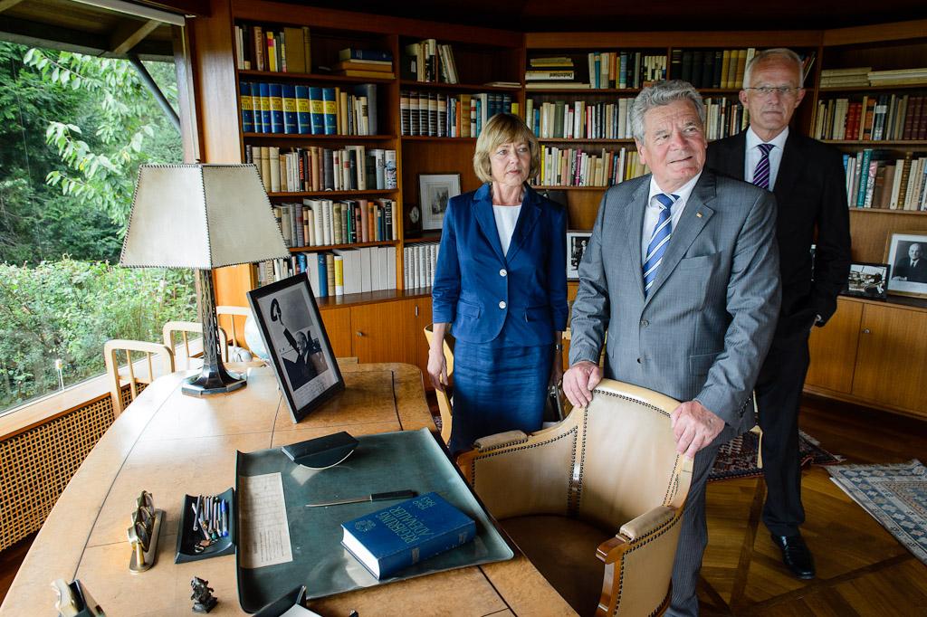 von links nach rechts: Frau Schadt, Herr Gauck, Herr Rüttgers
